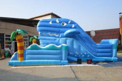 Maulrutsche Wal, Riesenrutsche, Wal, Maul öffnet und schließt sich wieder, Sommer, aufblasbar