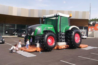 Riesentraktor, Fendt, Hüpfburg, Bruder, Traktor, Landmaschine,